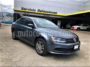 Volkswagen Jetta Trendline usado (2018) color Gris Platino precio $245,000