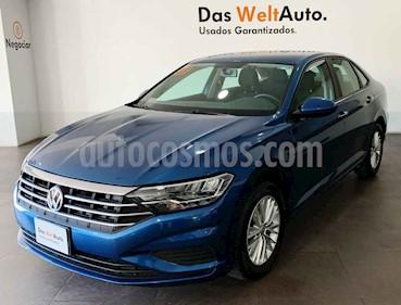 Volkswagen Jetta 4p Comfortline L4/1.4/T Aut usado (2019) color Azul precio $305,000