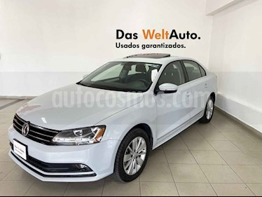 Volkswagen Jetta 4p Comfortline L5/2.5 Aut usado (2018) color Blanco precio $250,344