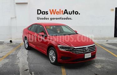 Foto Volkswagen Jetta Comfortline Tiptronic usado (2019) color Rojo precio $276,000