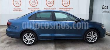 Volkswagen Jetta 4p Sportline L5/2.5 Aut usado (2018) color Azul precio $293,990