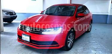Volkswagen Jetta 4p Trendline L5/2.5 Man usado (2018) color Rojo precio $255,000