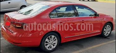Volkswagen Jetta Comfortline usado (2017) color Rojo precio $240,000