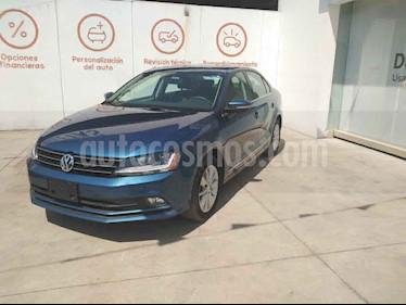 Volkswagen Jetta 4p Comfortline L5/2.5 Aut usado (2018) color Azul precio $277,000
