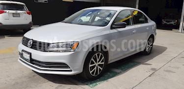 Volkswagen Jetta 2.0 usado (2018) color Plata Reflex precio $227,900