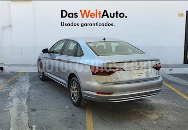 Volkswagen Jetta Trendline usado (2020) color Plata precio $310,000