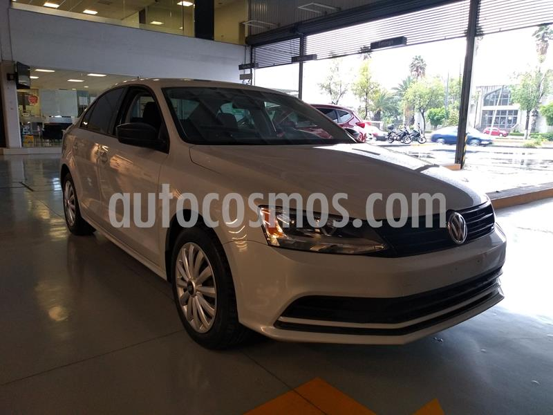 Volkswagen Jetta 2.0 usado (2018) color Blanco precio $215,000