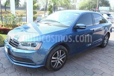 Volkswagen Jetta Trendline usado (2017) color Azul Electrico precio $260,000