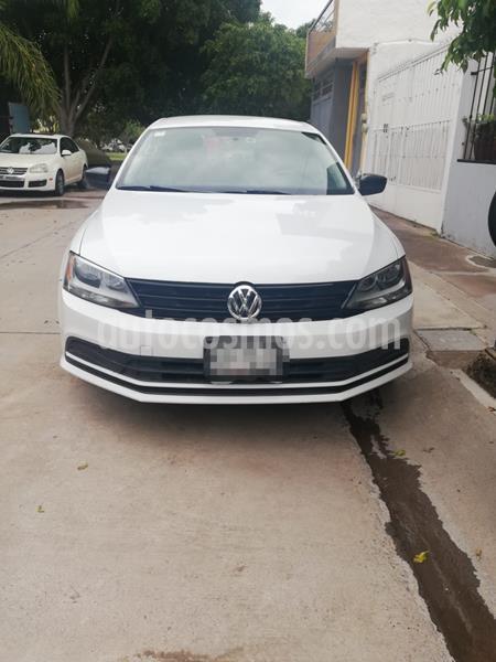 Volkswagen Jetta 2.0 usado (2015) color Blanco precio $140,000