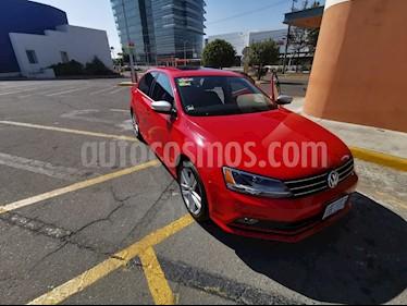 Volkswagen Jetta Sportline usado (2016) color Rojo Tornado precio $235,000