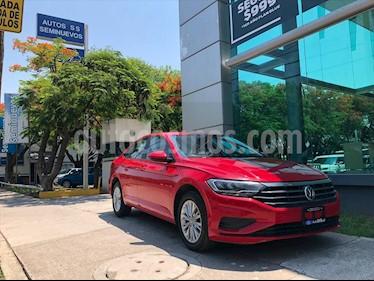 Volkswagen Jetta Comfortline usado (2019) color Rojo precio $269,000
