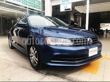 Volkswagen Jetta 4p Trendline L5/2.5 Man usado (2018) color Azul precio $245,000
