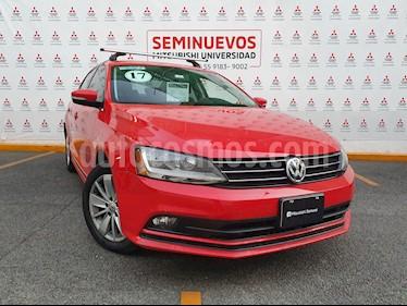 Volkswagen Jetta Comfortline usado (2017) color Rojo Tornado precio $230,000