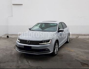 Volkswagen Jetta Sportline Tiptronic usado (2017) color Plata precio $325,000