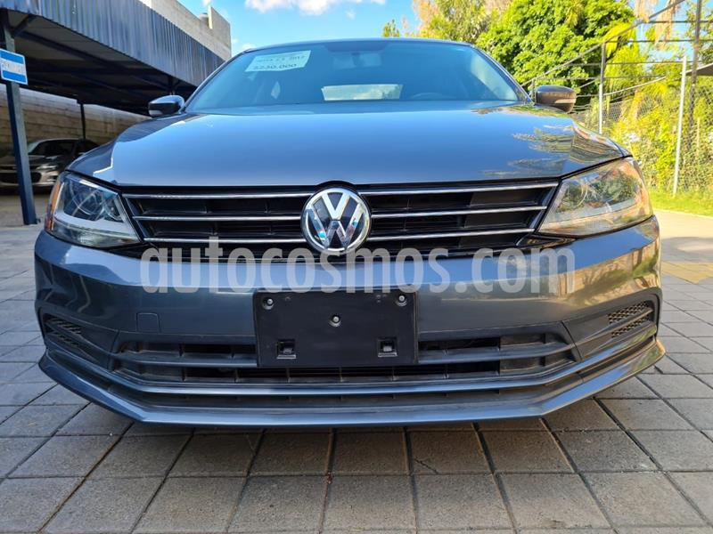 Volkswagen Jetta Trendline Tiptronic usado (2017) color Plata Dorado precio $235,000