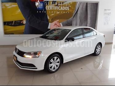 Volkswagen Jetta 4P 2.0L 115HP AT R-16 usado (2018) color Blanco precio $202,900
