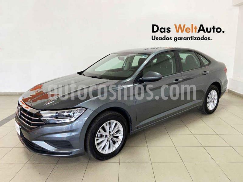 Volkswagen Jetta Comfortline usado (2019) color Gris precio $279,601