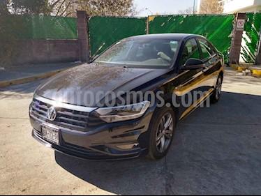 Volkswagen Jetta 4p R-Line L4/1.4/T Aut usado (2019) color Negro precio $327,000