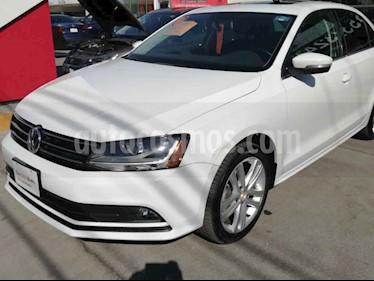 Volkswagen Jetta 4p Sportline L5/2.5 Aut usado (2018) color Blanco precio $282,306