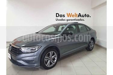 Foto venta Auto usado Volkswagen Jetta R-Line Tiptronic (2019) color Gris precio $339,915