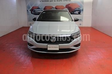 Foto venta Auto usado Volkswagen Jetta R-Line (2018) color Plata precio $340,000