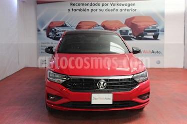 Foto venta Auto usado Volkswagen Jetta R-Line (2019) color Rojo Tornado precio $344,000