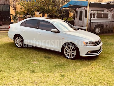 Volkswagen Jetta Sport  Full usado (2015) color Blanco precio $235,000