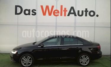 Foto venta Auto usado Volkswagen Jetta Sport Tiptronic (2017) color Negro Onix precio $310,000