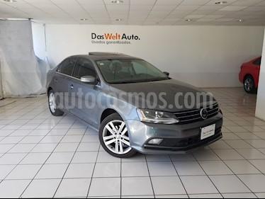 Foto venta Auto usado Volkswagen Jetta Sport (2017) color Gris Platino precio $284,900