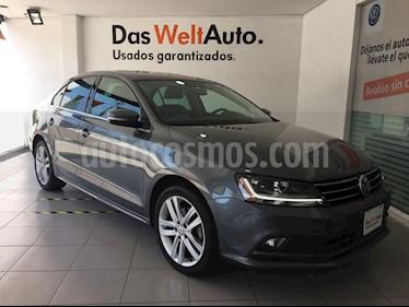 Foto Volkswagen Jetta Sport usado (2018) color Gris Platino precio $309,000