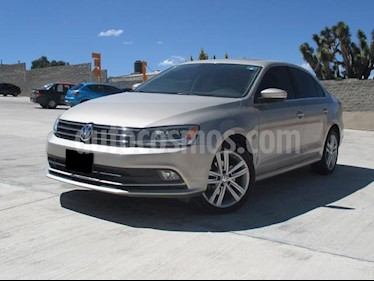 Foto venta Auto usado Volkswagen Jetta Sportline Tiptronic (2016) color Plata Lunar precio $245,000