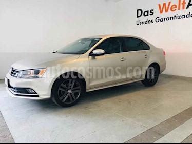 Foto venta Auto usado Volkswagen Jetta Sportline Tiptronic (2015) color Plata precio $211,320
