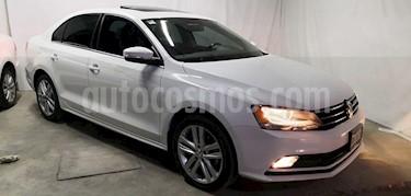 Foto venta Auto Seminuevo Volkswagen Jetta Sportline (2015) color Blanco precio $235,000