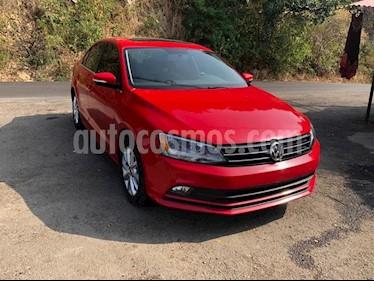 Volkswagen Jetta Sportline usado (2016) color Rojo Tornado precio $230,000
