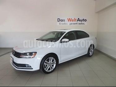 Foto venta Auto Seminuevo Volkswagen Jetta Sportline (2017) color Blanco precio $262,786