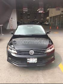 Foto venta Auto Seminuevo Volkswagen Jetta Sportline (2016) color Negro precio $239,000