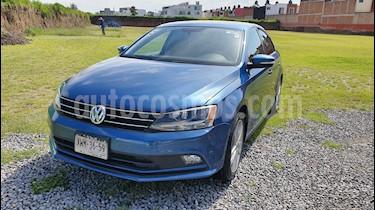 Foto Volkswagen Jetta Sportline usado (2015) color Azul precio $216,000