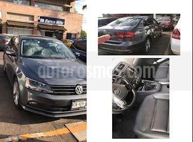 Volkswagen Jetta Sportline usado (2015) color Gris Platino precio $196,000