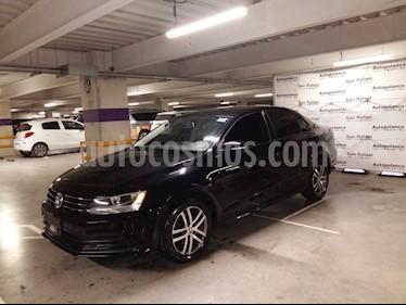 Foto venta Auto Seminuevo Volkswagen Jetta Trendline 2.0 Aut (2015) color Negro precio $194,900