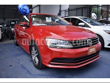 Foto venta Auto Seminuevo Volkswagen Jetta Trendline 2.0 (2015) color Rojo precio $190,000