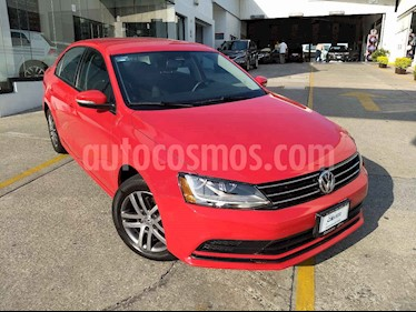 Foto venta Auto usado Volkswagen Jetta Trendline Tiptronic (2017) color Rojo precio $234,000