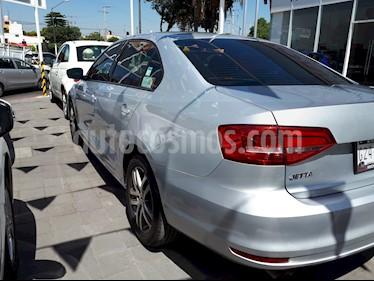Foto venta Auto usado Volkswagen Jetta Trendline Tiptronic (2015) color Plata Lunar precio $195,000
