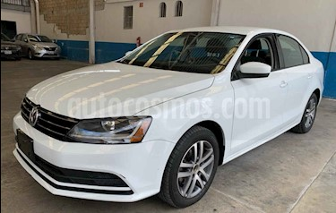 Foto Volkswagen Jetta Trendline Tiptronic usado (2018) color Blanco precio $183,902