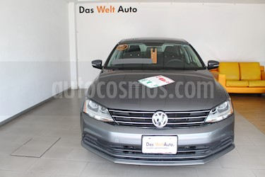 Volkswagen Jetta Trendline Tiptronic usado (2017) color Gris Platino precio $270,000
