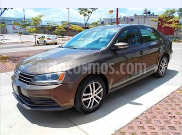 Foto Volkswagen Jetta Trendline Tiptronic usado (2015) color Bronce precio $179,000