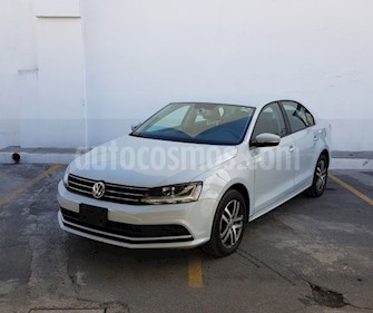 Foto Volkswagen Jetta Trendline Tiptronic usado (2017) color Blanco precio $242,300