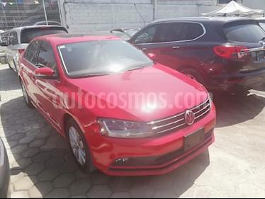 Foto venta Auto usado Volkswagen Jetta Trendline Tiptronic (2017) color Rojo precio $240,000
