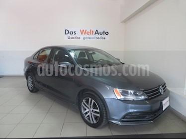 Foto venta Auto Seminuevo Volkswagen Jetta Trendline (2016) color Gris Platino precio $199,995