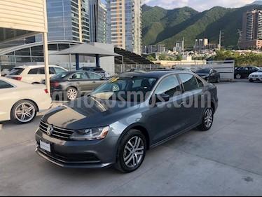 Foto venta Auto usado Volkswagen Jetta Trendline (2018) color Gris precio $229,500