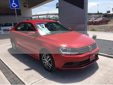 Volkswagen Jetta Trendline usado (2017) color Rojo Tornado precio $255,000